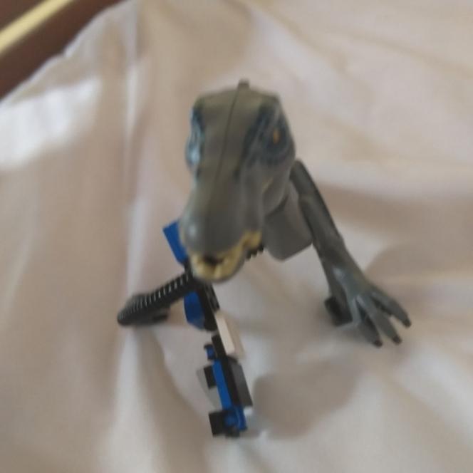 Um dinosauro robo