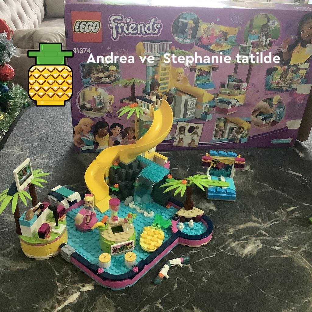 Andrea ve Stephanie Tatilde