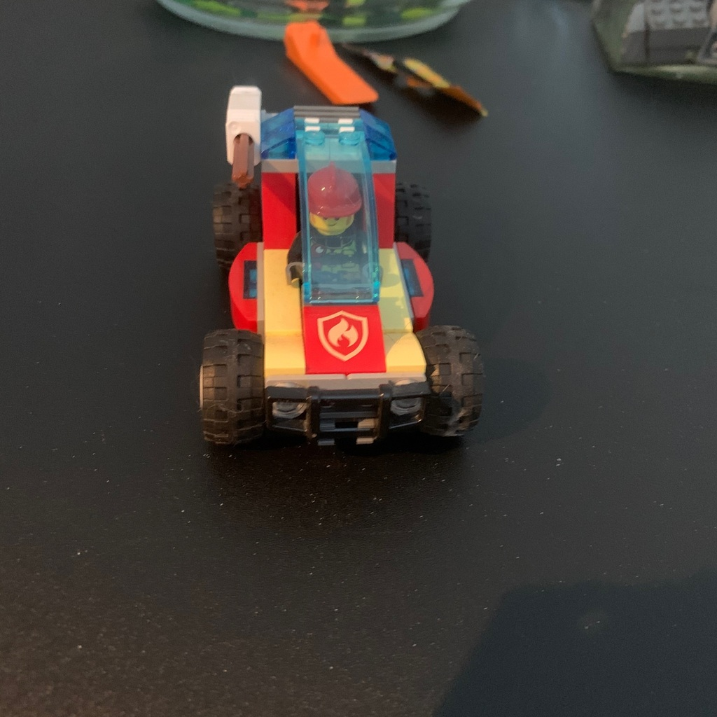 Brandbil 2 av 3