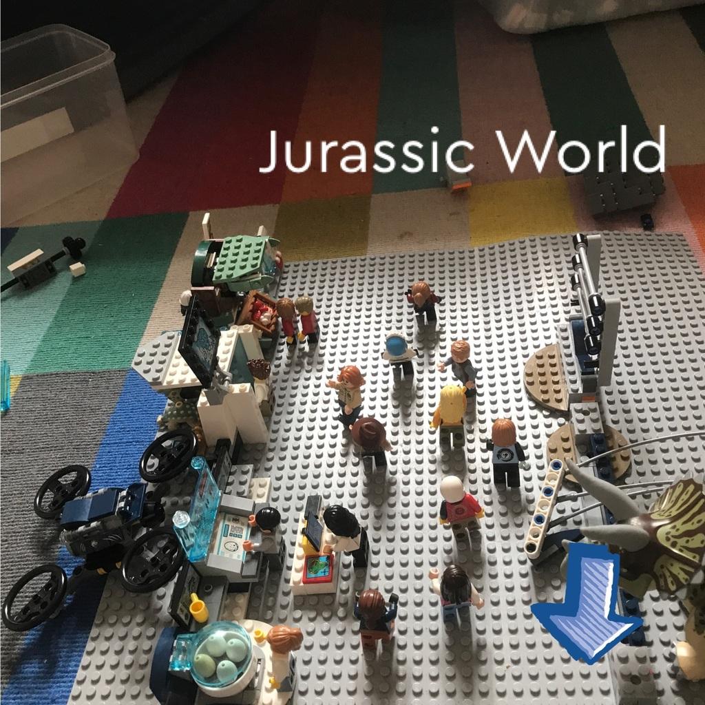 Jurassic World Genetics Lab