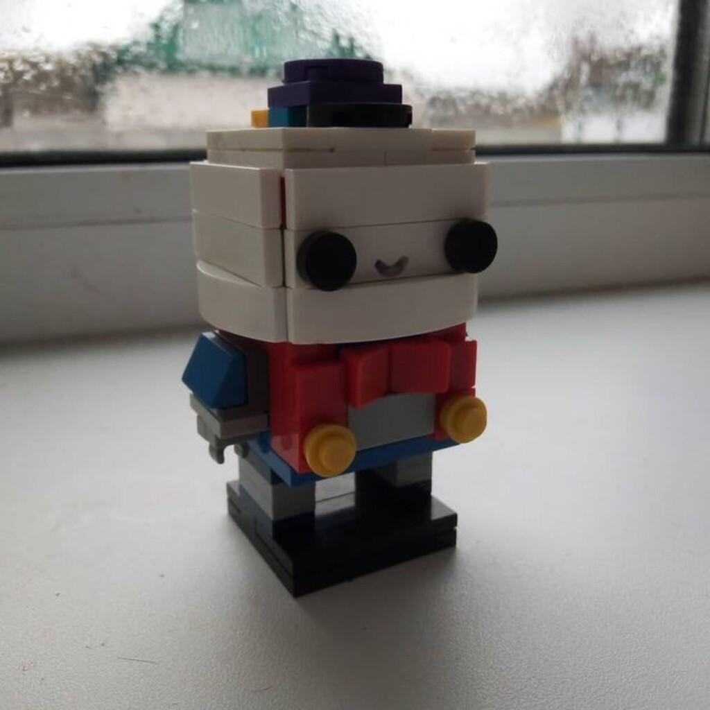 Лу из LEGO