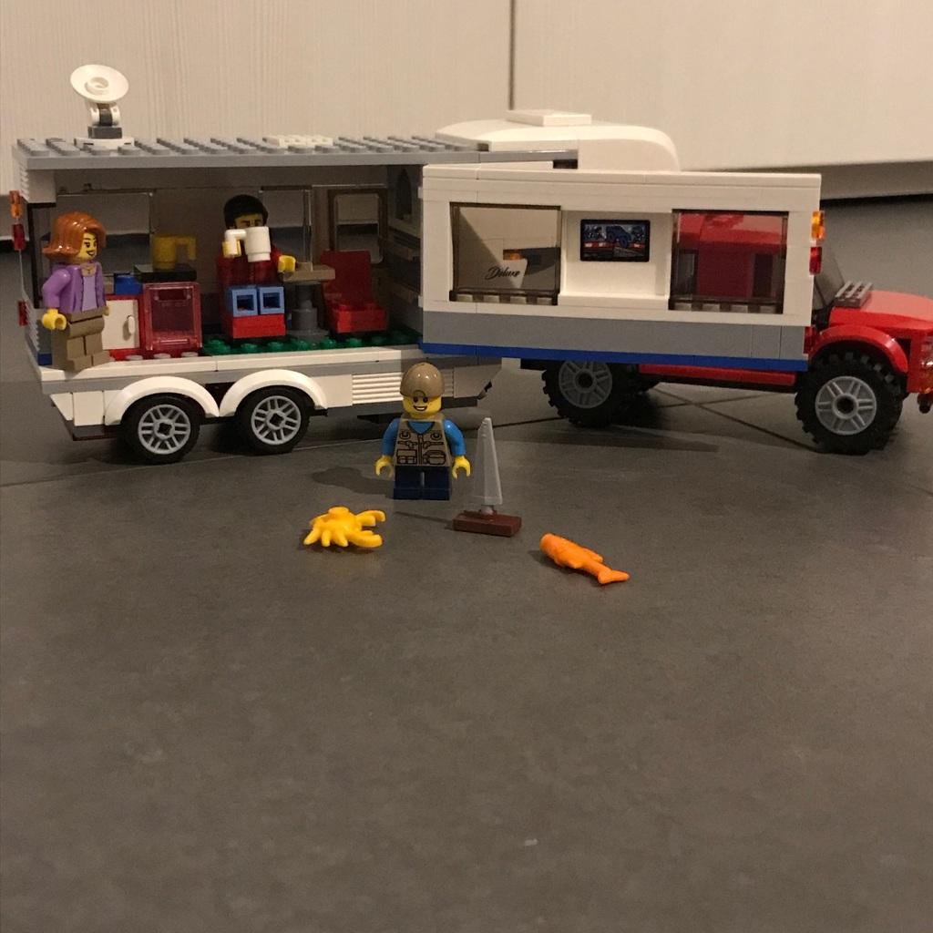 Lego city e due macchine