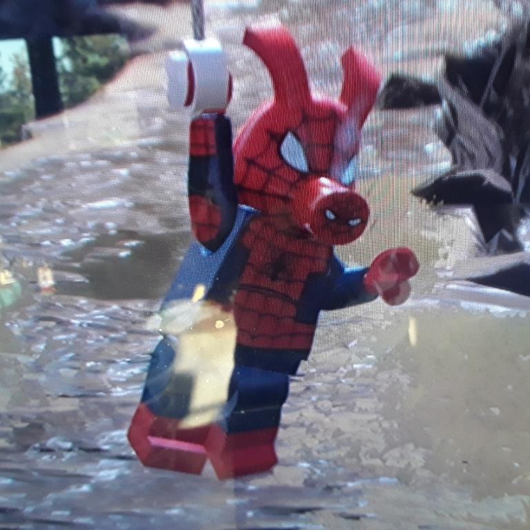 SPIDER HAM Z LEGO MARYEL SUPER HEROS 2