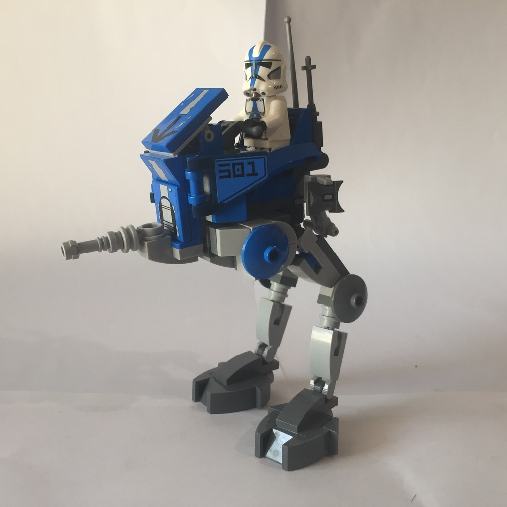 Moc AT-RT