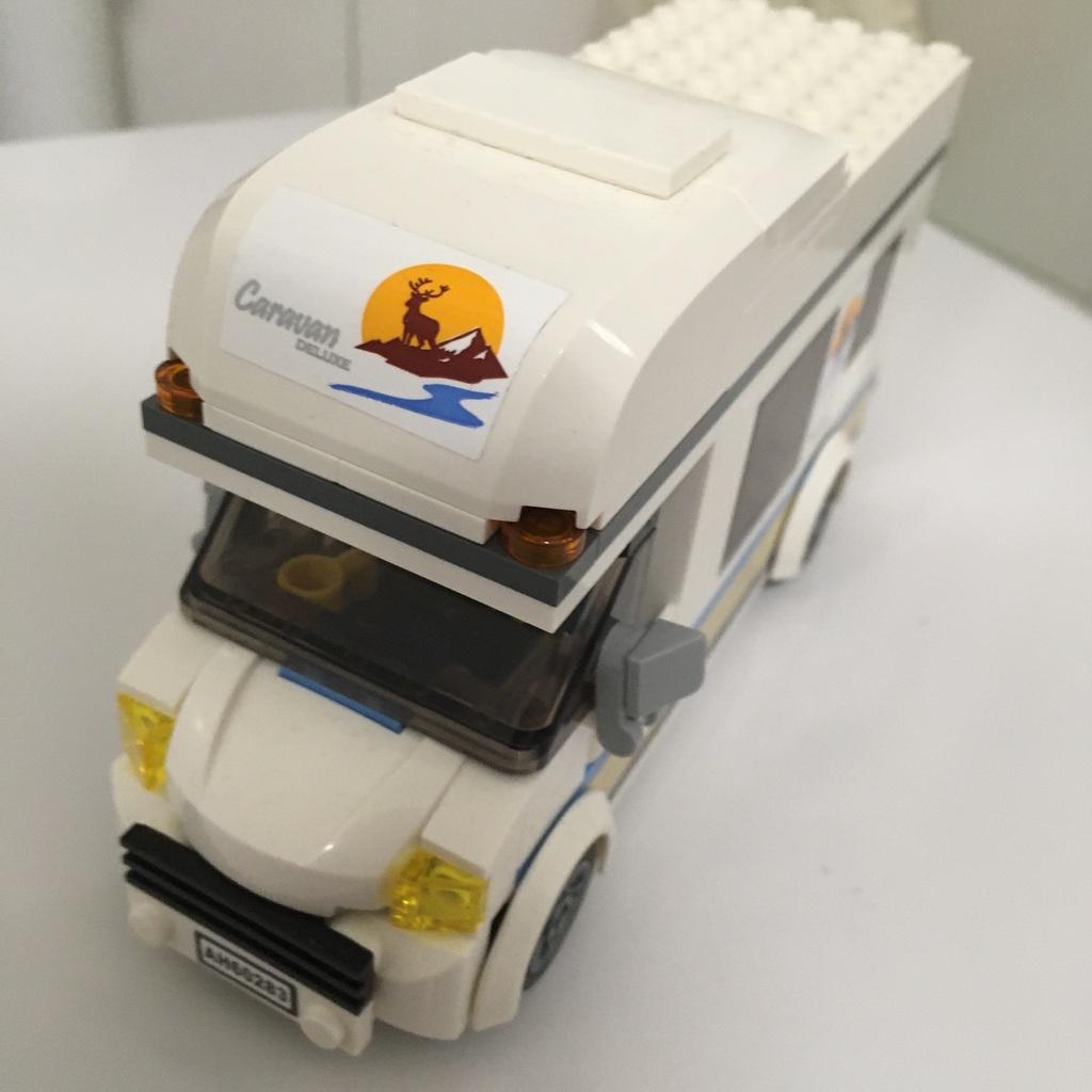Lego camper 60283