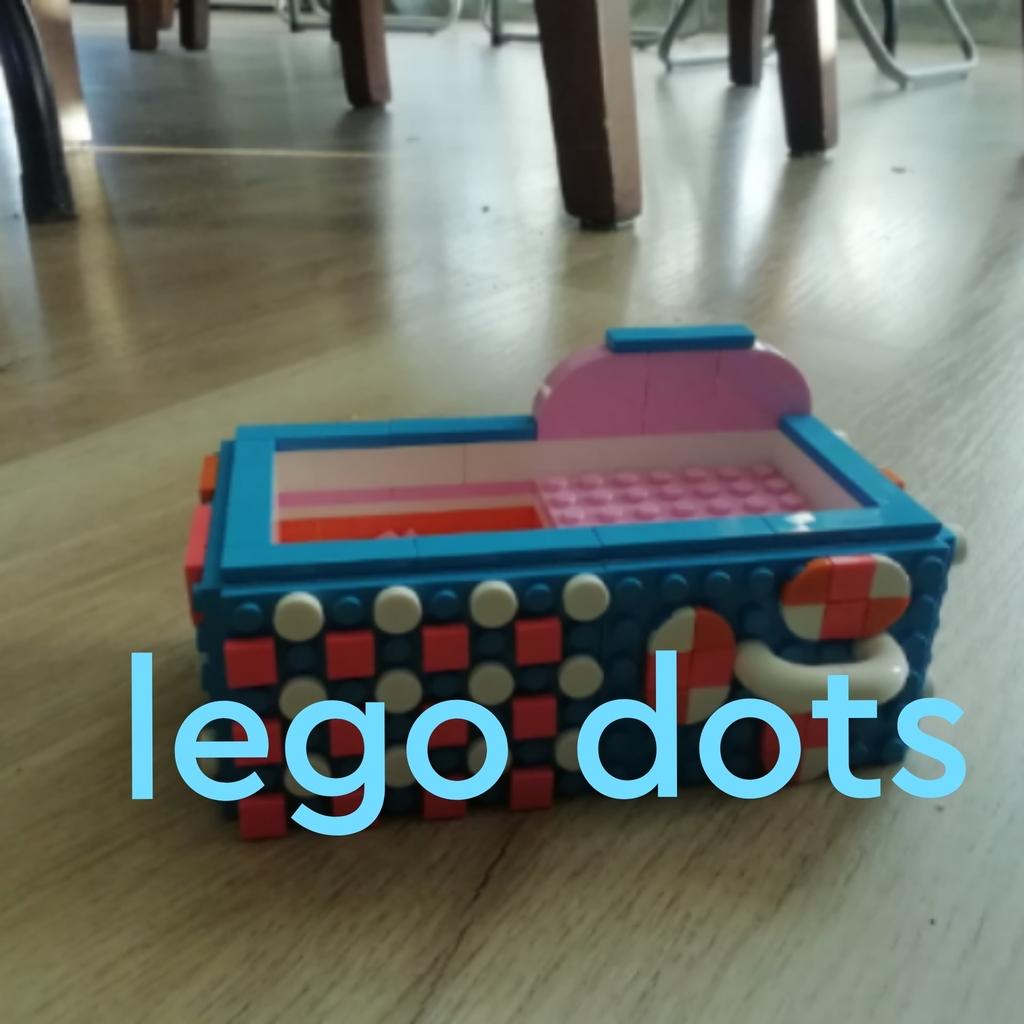 Un jollero de lego dots