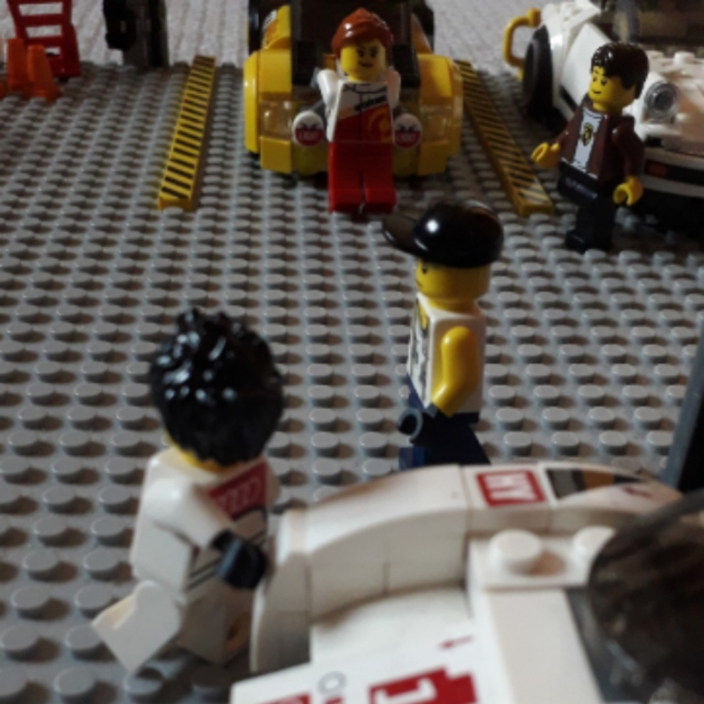 My lego speed champions garage MOC...